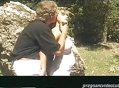 BLONDE MOMS STARTS ON HER HUSBAND
