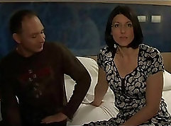 Big cock and sexy wife plays with a maldu