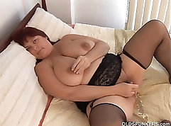 Busty MILF in stockings Jesse St and Jacky coffee