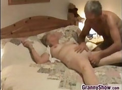 Bewitching babe Leia gets her pussy licked and finger fucked