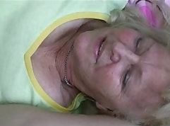 Grandmothers showing their hot bodies in free GILF XXX movies
