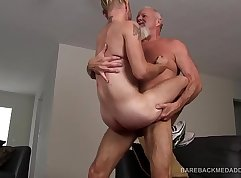 Curvaceous MILF calls her daddy to be filmed deepthroating
