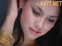 Massage on Maria Ozawa