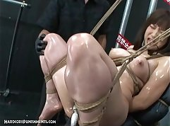 Japanese slave in bondage with old man muscle /pizza route