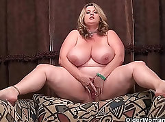 BBW milf playing with herself at the big office